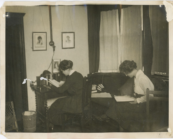 http://brynmawrcollections.org/Images/PA00205_BMC_f.jpg