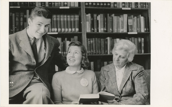 http://brynmawrcollections.org/Images/PAE_StudLife072_BMC_f.jpg